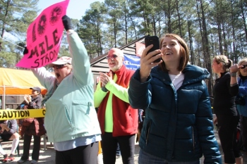 A family cheered a daughter, a sister, and all runners